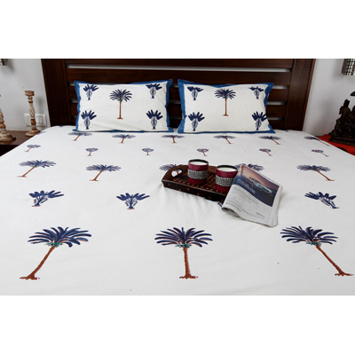 Jodhaa Double Bedsheet Set In Cotton Printed In Plain White Blue And Brown With Blue Border Coconut Tree Print
