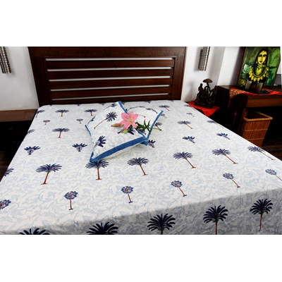 Jodhaa Double Bedsheet Set In Cotton Printed In White Blue And Brown With Blue Border Coconut Tree Print