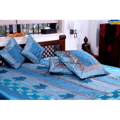 Jodhaa Double Bed Cover Set In Blue Maple Leaf Design